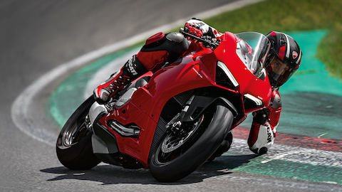 Panigale-V2-MY20-Ambience-05-Gallery-1920x1080.jpeg